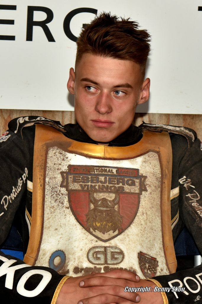 Matias Nielsen fortsætter hos Vikings